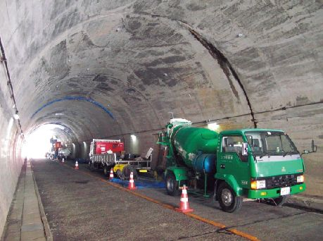 The back-filling grouting of the road tunnel